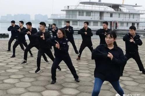 站如松,行如风,法警训练不放松!